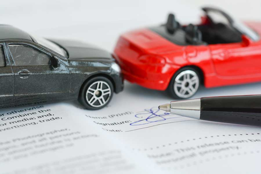 car and insurance contract