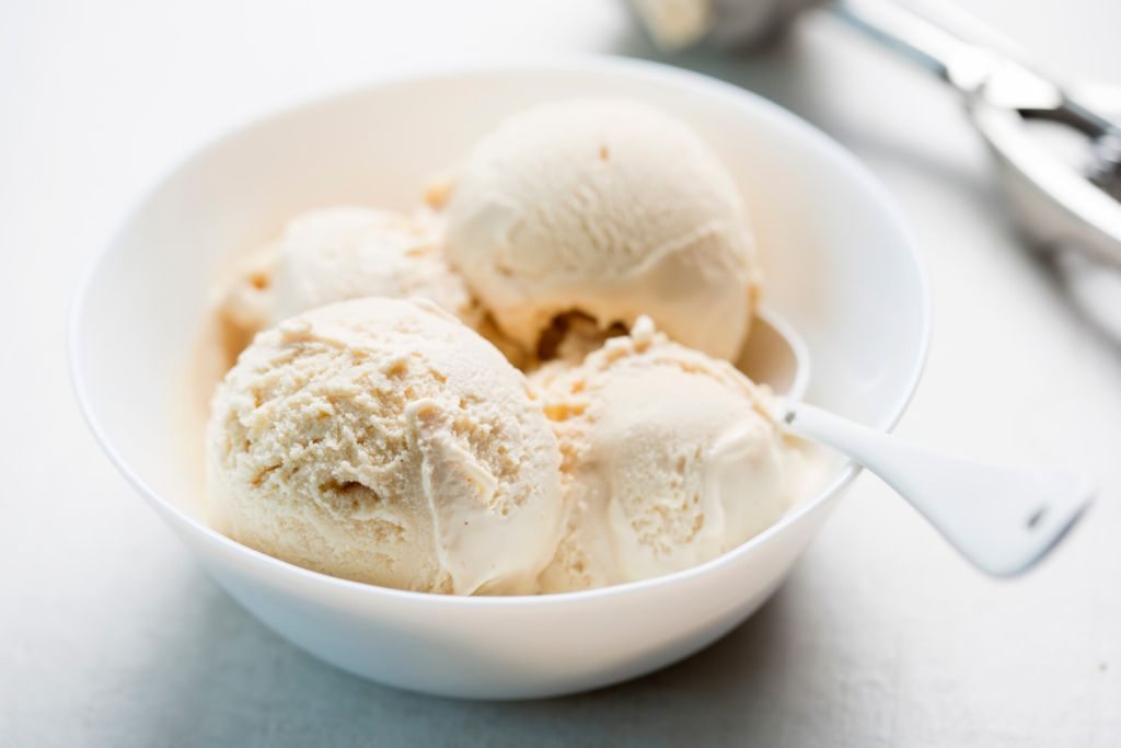 image of vanilla ice cream in a bowl