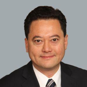 Gil Isidro Headshot