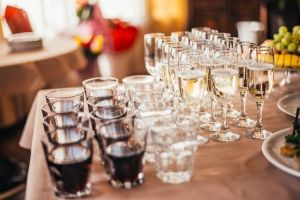 champagne wine glasses party table